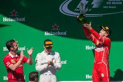 Podium: winnaar Sebastian Vettel, Ferrari, tweede Valtteri Bottas, Mercedes AMG F1, Giuseppe Vietina