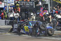 Michael McDowell, Leavine Family Racing Chevrolet pit stop, Sunoco