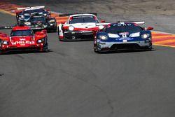 #67 Chip Ganassi Racing Ford GT, GTLM: Ryan Briscoe, Richard Westbrook, #31 Action Express Racing Cadillac DPi, P: Eric Curran, Felipe Nasr, Mike Conway