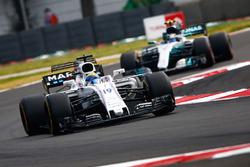 Felipe Massa, Williams FW40, Valtteri Bottas, Mercedes AMG F1 W08