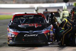 Dylan Lupton, JGL Racing Toyota pit stop