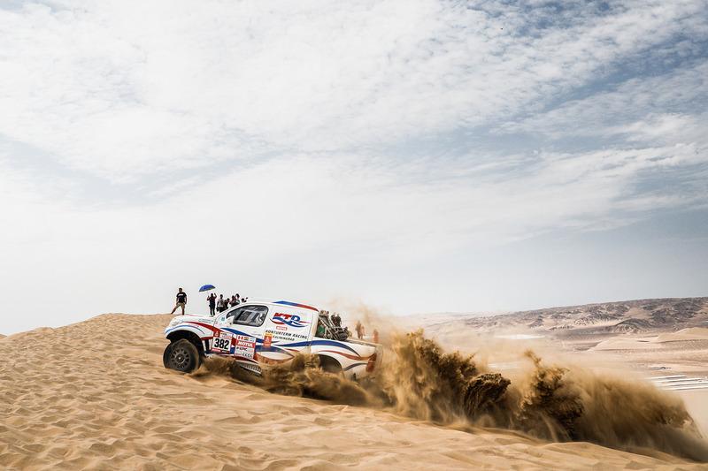 #382 Toyota: Ivan Shikhotarov, Oleg Uperenko