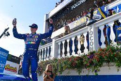 Kyle Busch, Joe Gibbs Racing, Toyota Camry M&M's Caramel celebrates after winning