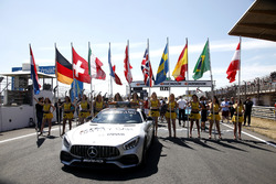 Safety car in the starting grid