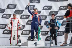 Podio: il vincitore della gara Norbert Michelisz, BRC Racing Team Hyundai i30 N TCR, il secondo classificato Aurélien Comte, DG Sport Competition Peugeot 308TCR, il terzo classificato Frédéric Vervisch, Audi Sport Team Comtoyou Audi RS 3 LMS