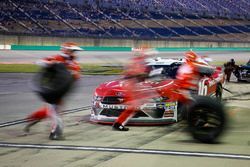 Ryan Reed, Roush Fenway Racing, Ford Mustang Drive Down A1C Lilly Diabetes pit stop