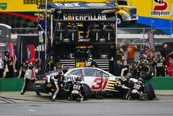 Ryan Newman, Richard Childress Racing, Chevrolet Camaro Caterpillar pit stop
