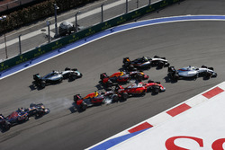 Felipe Massa, Williams FW38, Sergio Perez, Force India VJM09, Daniel Ricciardo, Red Bull Racing RB12