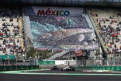 Pascal Wehrlein, Sauber C36, Felipe Massa, Williams FW40