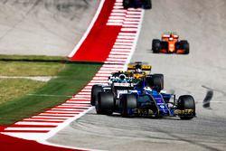 Marcus Ericsson, Sauber C36, Lance Stroll, Williams FW40