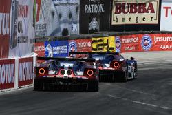 #66 Chip Ganassi Racing Ford GT, GTLM: Dirk Müller, Joey Hand, #67 Chip Ganassi Racing Ford GT, GTLM: Ryan Briscoe, Richard Westbrook