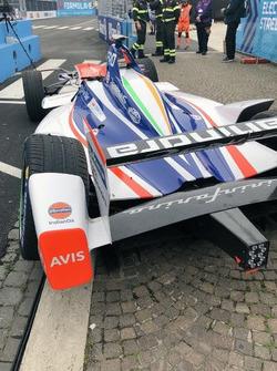 De wagen van Felix Rosenqvist, Mahindra na de crash