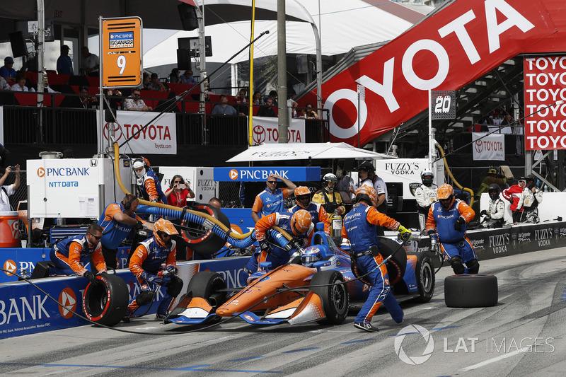 Scott Dixon, Chip Ganassi Racing Honda, au stand