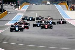 Nicholas Latifi, DAMS. Leads Louis Deletraz, Charouz Racing System