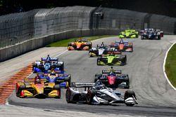 Josef Newgarden, Team Penske Chevrolet, Ryan Hunter-Reay, Andretti Autosport Honda, alla partenza