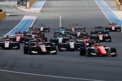 Dorian Boccolacci, MP Motorsport followed by Anthoine Hubert, ART Grand Prix