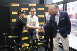 Professional Road Cyclist Simon Yates of Michelton-Scott meets Sean Bratches, Managing Director of Commercial Operations, Formula One Group