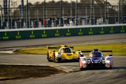 #23 United Autosports Ligier LMP2, P: Phil Hanson, Lando Norris, Fernando Alonso, #85 JDC/Miller Mot
