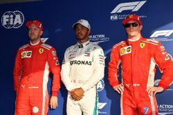 Обладатель поула Льюис Хэмилтон, Mercedes AMG F1, второе место – Кими Райкконен, третье место — Себа