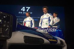 I piloti Roberto Lacorte, Giorgio Sernagiotto e Andrea Belicchi con la Dallara Gibson LMP2