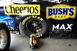Chris Buescher, JTG Daugherty Racing, Chevrolet Camaro Healthy Choice Power Bowls