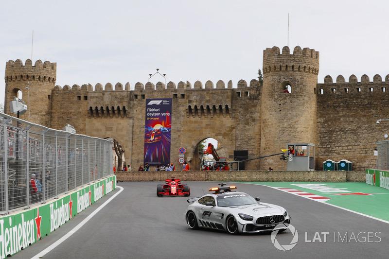 Safety Car di depan Sebastian Vettel, Ferrari SF71H