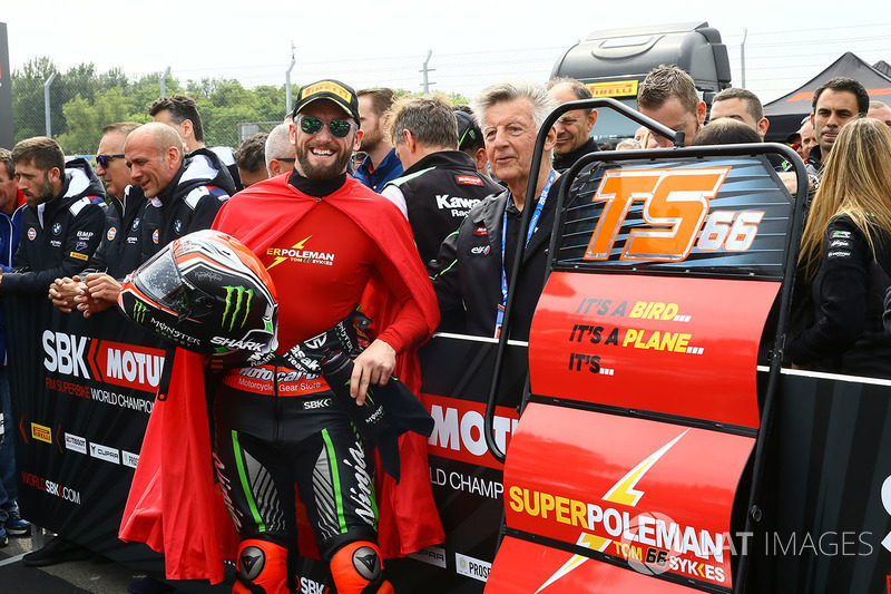 Tom Sykes, Kawasaki Racing se lleva la pole
