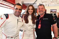 F1 Experiences 2-Seater passenger Barbara Palvin with Zsolt Baumgartner, F1 Experiences 2-Seater driver and Paul Stoddart
