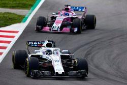 Lance Stroll, Williams FW41, Sergio Perez, Force India VJM11