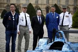 Fórmula E CEO Alejandro Agag, FIA Presidente Jean Todt, Teniente General Bruno Le Ray, gobernador mi