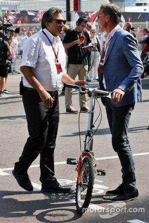Pasquale Lattuneddu, FOM ve David Coulthard, Red Bull Racing Danışmanı