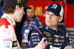Jamie McMurray, Chip Ganassi Racing, Chevrolet; Ryan Blaney, Wood Brothers Racing, Ford