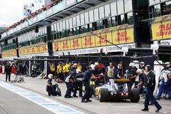 Felipe Nasr, Sauber C35 aux stands