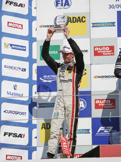 Rookie-Podium: 2. Joel Eriksson, Motopark Dallara F312, Volkswagen