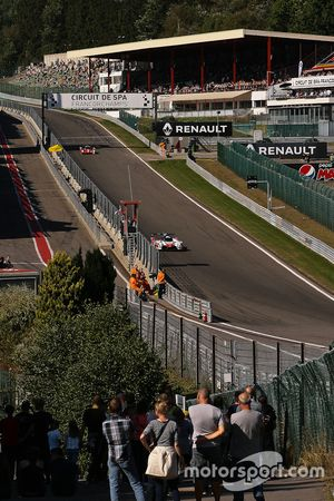 The straight down to 'Eau Rouge'