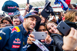 Daniel Ricciardo, Red Bull Racing poses for a photo with fans