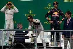 Podium: winnaar Lewis Hamilton, Mercedes AMG F1, tweede Nico Rosberg, Mercedes AMG F1, derde Daniel