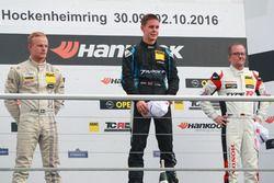 Podio: Sieger 99 Josh Files, Target Competition, Honda Civic TCR; 2. Dennis Strandberg, Target Compe