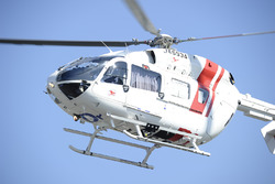 Jorge Lorenzo, Yamaha Factory Racing, es transportado en helicóptero