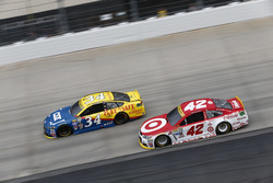 Kyle Larson, Chip Ganassi Racing, Chevrolet; Chris Buescher, Front Row Motorsports, Ford