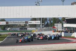 Race 4 start action