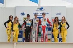 Подиум: второе место - Антуан Юбер, Van Amersfoort Racing Dallara F312 – Mercedes-Benz; победитель -