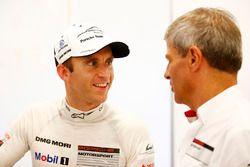 Timo Bernhard, Porsche Team; Fritz Enzinger, Leiter LMP1, Porsche Team