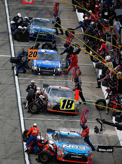 Pit action for Kyle Busch, Joe Gibbs Racing Toyota, Erik Jones, Joe Gibbs Racing Toyota, Ty Dillon,