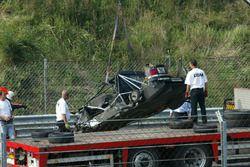 Das zerstörte Auto von Peter Dumbreck, OPC Team Phoenix, Opel Vectra GTS V8, nach dem Crash