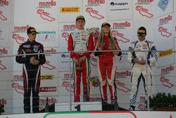 Podio Rookie, Gara 2: il secondo classificato Sebastian Wahbeh Fernandez, RB Racing, il vincitore Ju
