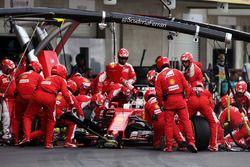 Boxenstopp: Sebastian Vettel, Ferrari SF16-H