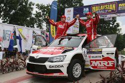 Winners Gaurav Gill, Glenn MacNeall, Skoda Fabia R5, Team MRF