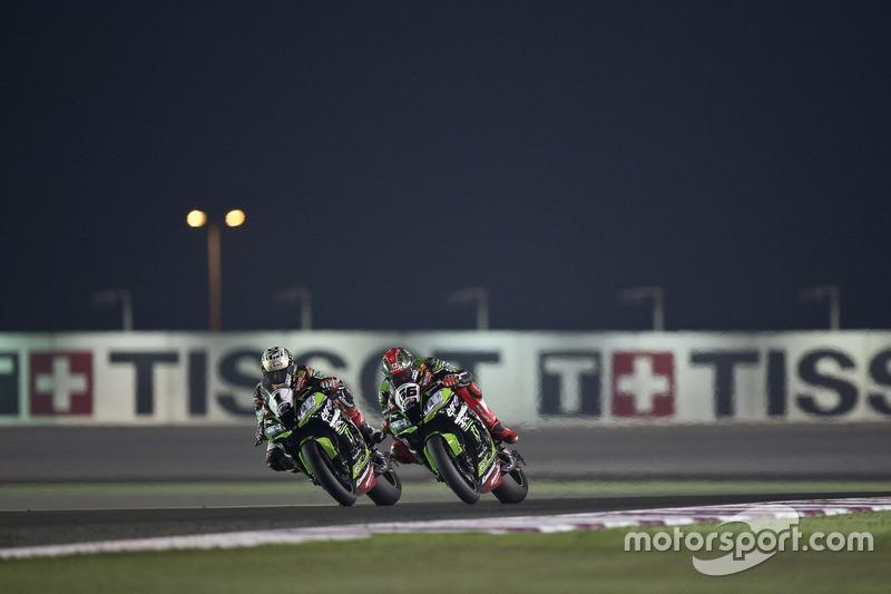 Jonathan Rea, Kawasaki Racing; Tom Sykes, Kawasaki Racing