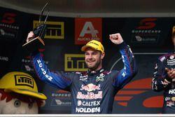 Podyum: 2. Shane van Gisbergen, Triple Eight Race Engineering Holden